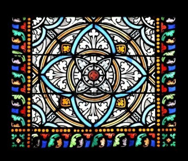 Glas in lood raam in St.Samson kathedraal, Dol-de-Bretagne, Frankrijk. Stockfoto - 3853089