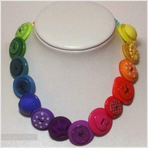 Броши, букеты, бусы. браслеты  из пуговиц. ~ Crafts from buttons