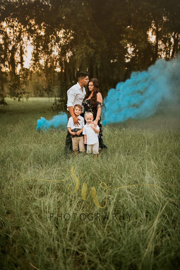 Gender reveal photography smoke bomb