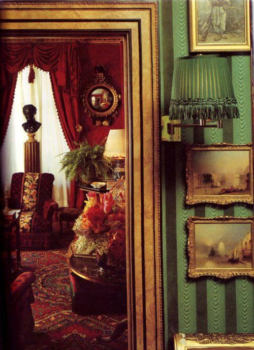 Oscar de la Renta's New York apartment.  From: House & Garden, December 1985.  > Via.