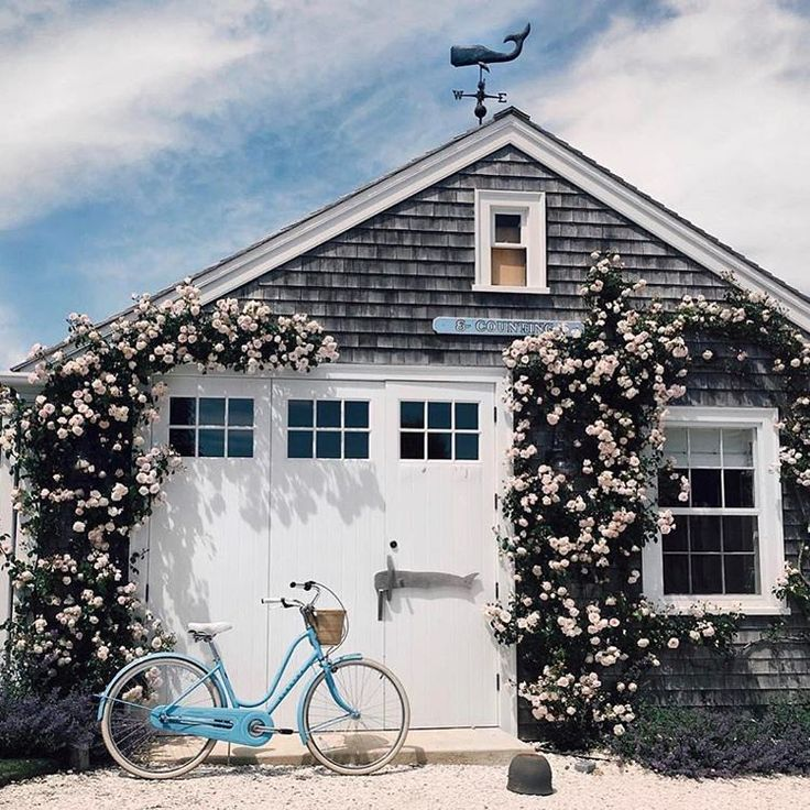 Wow! Not sure if this is a house or a shed, but whatever it is, I want it!