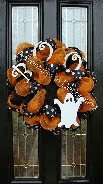 Halloween mesh wreath - check cost of screen - spray painted and used instead