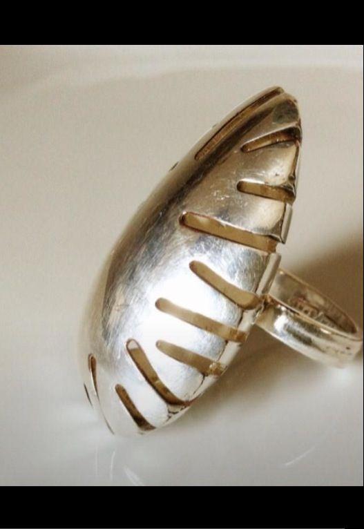 Anello-uovo di luce- gioielleria artigianale CoMo realizzato con antiche posate in argento