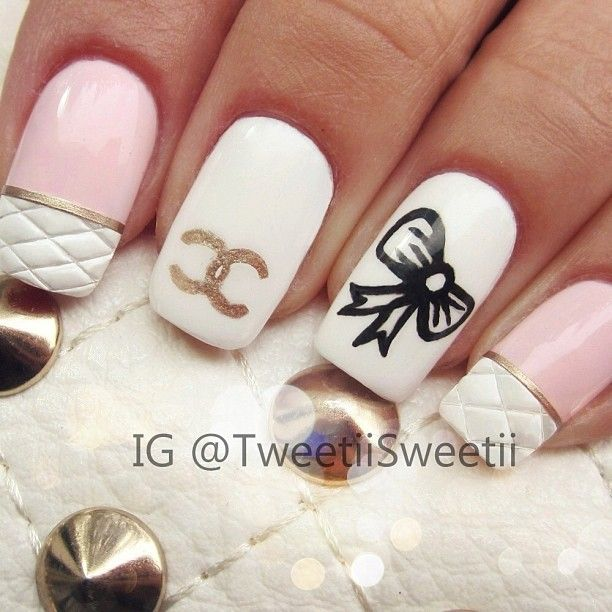 Quilted Chanel manicure #nails