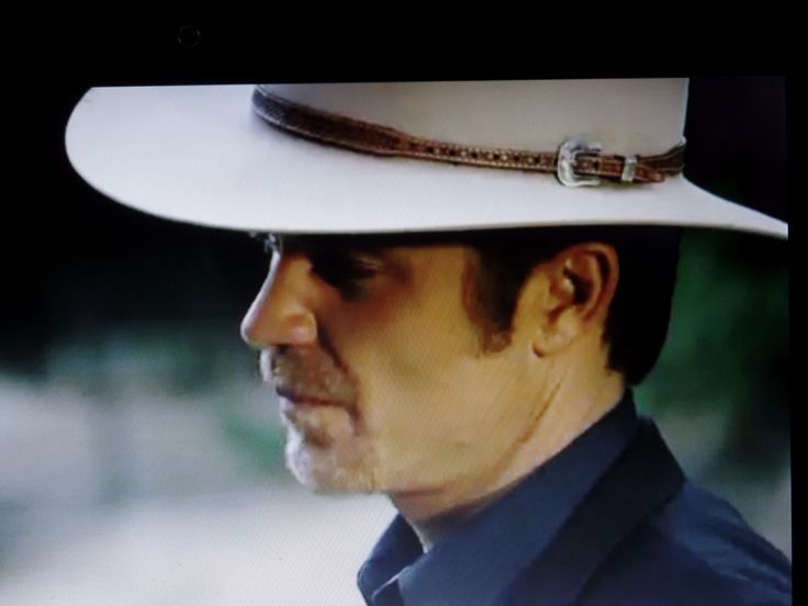 Justified Season 6 Episode 1 Fate's Right Hand Review - Timothy Olyphant