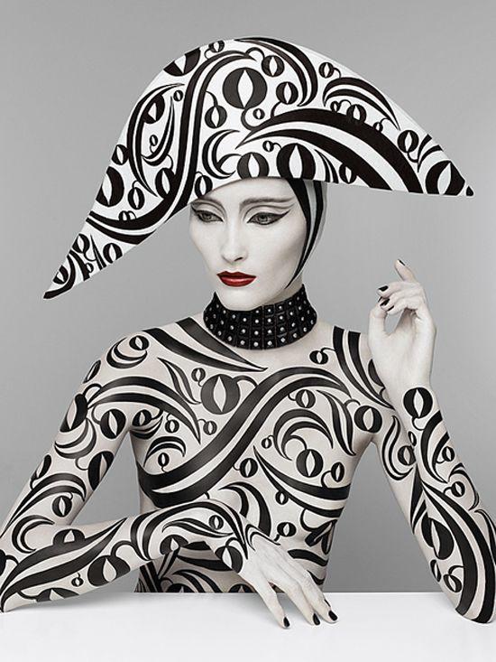 Black and white, Pure Poison by Patrizio Di Renzo - ego-alterego.com