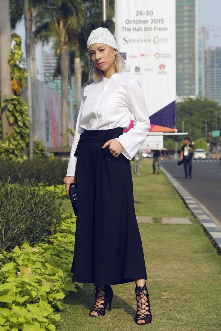 DAY 2 @ JAKARTA FASHION WEEK 2016  http://jenniferbachdim.com/2015/11/11/day-2-jakarta-fashion-week/