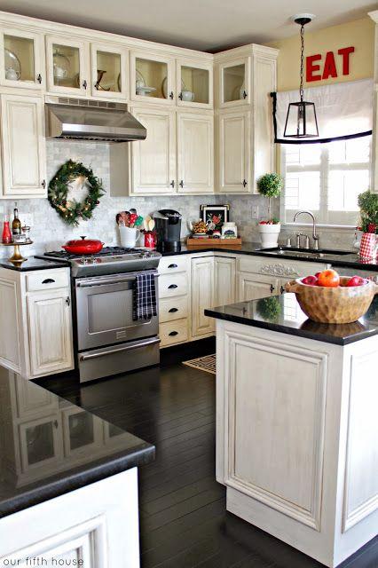 christmas decor in kitchen