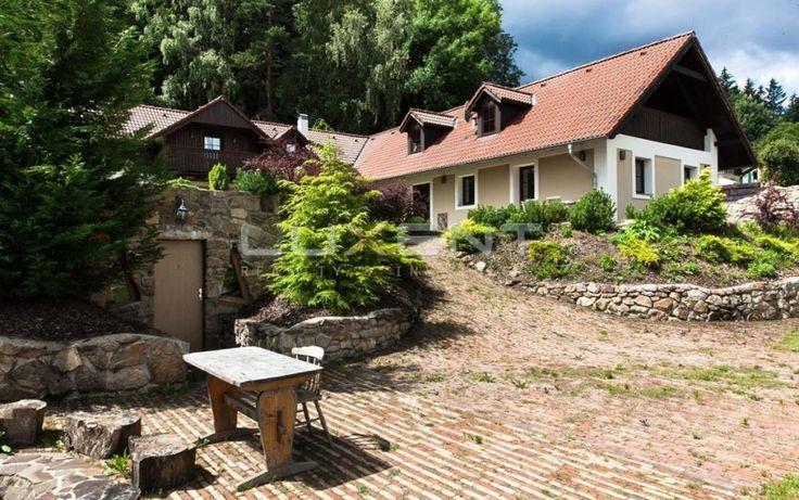 Prodej velkorysé venkovské usedlosti na Vysočině – obec Březí