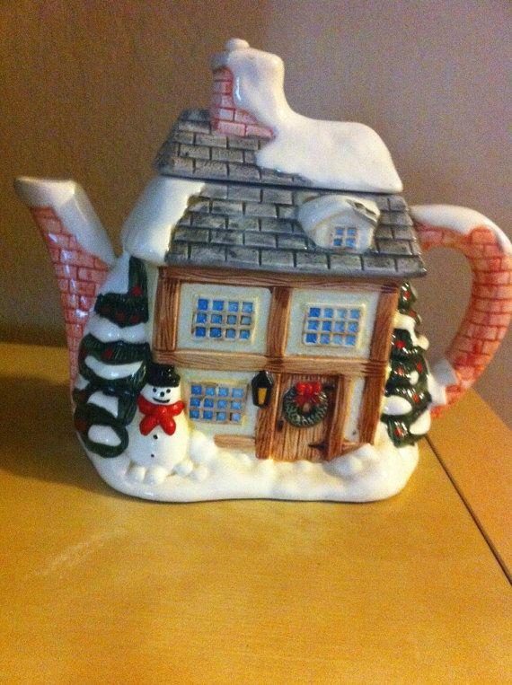 50's Vintage Christmas tea pot by BETOSVINTAGE on Etsy, $25.90