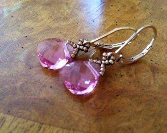 Pendientes de cristal de color rosa delicado, pendientes de lágrima de Swarovski, pendientes color rosa, rosa de Dama de honor pendientes, regalo de Bat Mitzvah, EBW