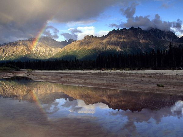 Alaska Range - Alaska is one of my dream destinations... I think I like the thought of all the wide open spaces !!!