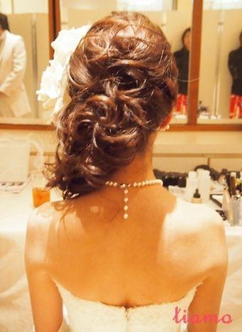 大人スタイリッシュなサイドアップがお似合いの花嫁さま♡ の画像|大人可愛いブライダルヘアメイク『tiamo』の結婚カタログ