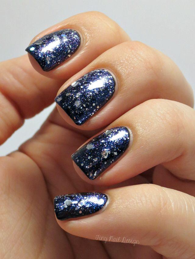 Nails like a galaxy  http://tinynaildesign.blogspot.fi/2014/11/maailman-helpoimmat-galaksikynnet.html
