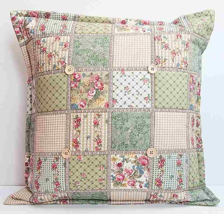 Quilting Patterns Cushions : 25+ unique Patchwork cushion ideas on Pinterest Quilt pillow, Patchwork pillow and Patchwork ...