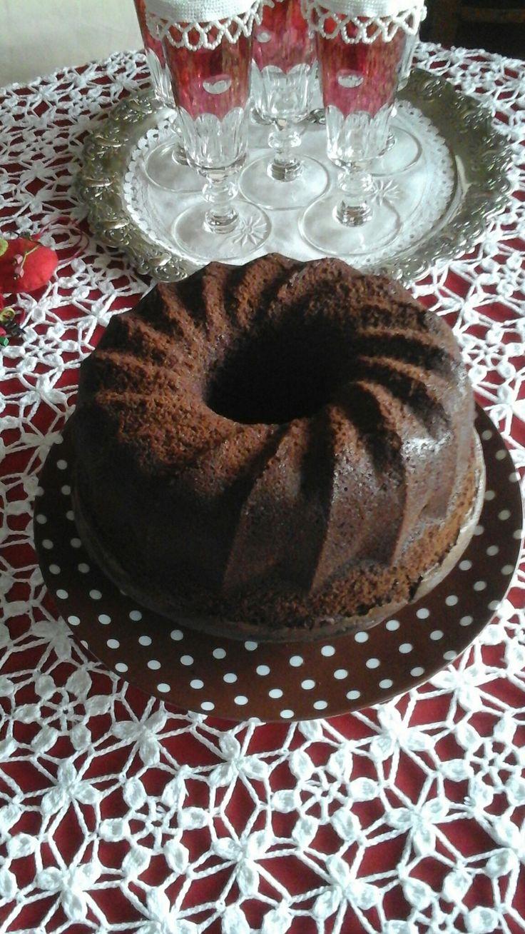 Λαχταριστό κέικ σοκολάτας με λάδι.