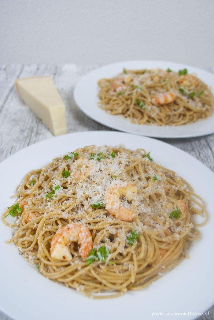 Een+heerlijke+super+snelle+spaghetti+met+garnalen+en+limoen.+Super+simpel!+-+Recept+in+bron.