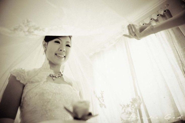 Beautiful bride :) Prewedding and Wedding Photoshoot by Hendra Goh contact us for photoshoot : katarinadyta@gmail.com
