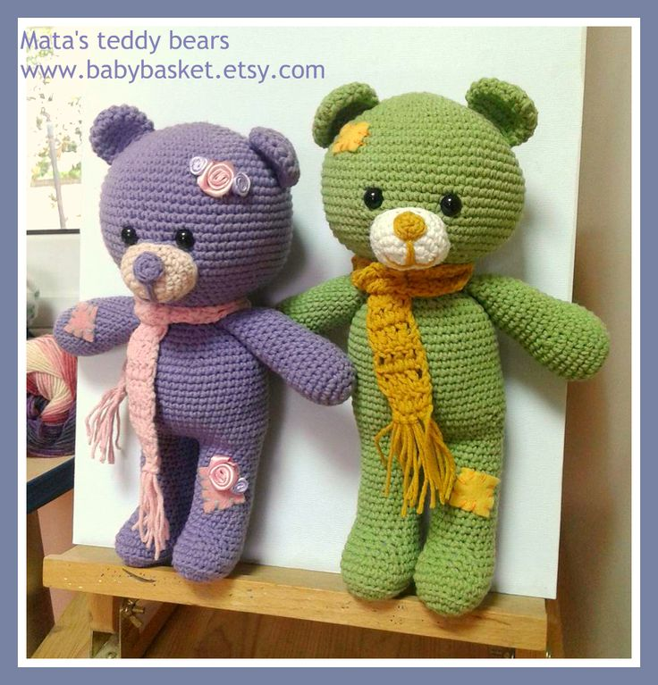 crochet teddy bears with a cotton yarn and a 2.5mm hook. height about 27 cm