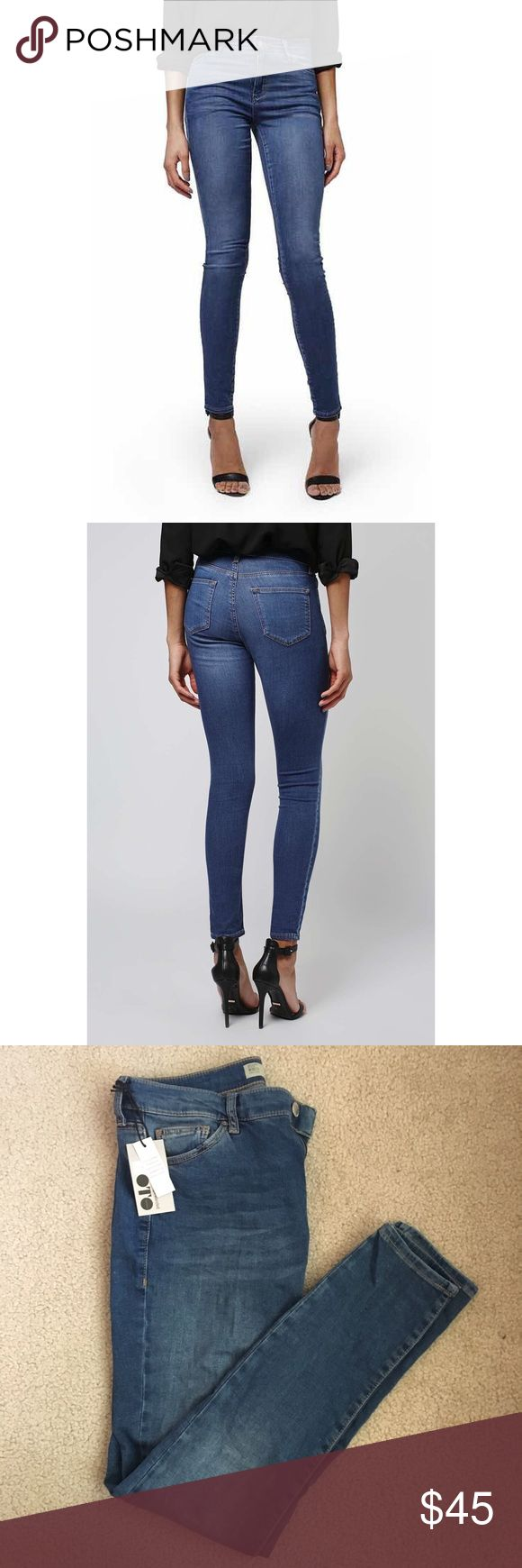 Topshop Leigh Ankle Grazer Jeans Never worn, tags still attached. Topshop Jeans Skinny