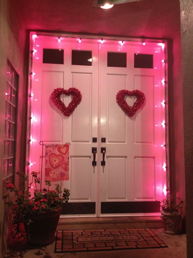 267 best ideas about valentine 39 s day door porch ideas on for Idea deco guijarro exterior