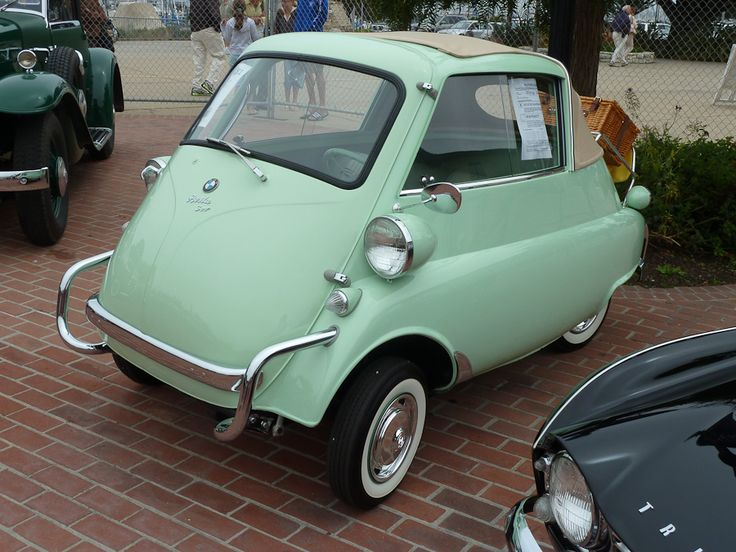 I can think of at least 7 reasons why I need this car. I NEED IT. (1957 BMW Isetta)