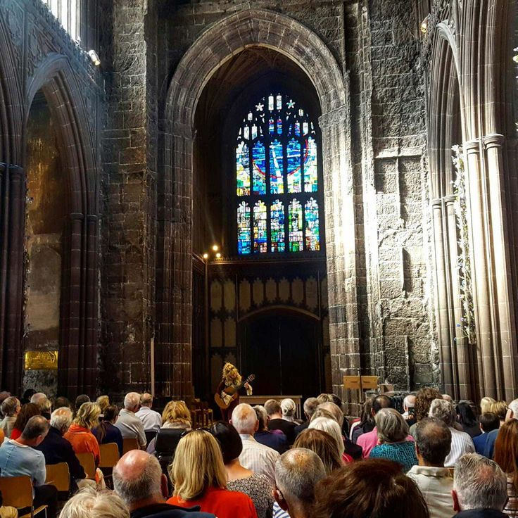 Galina Vale filled full house in Manchester Cathedral