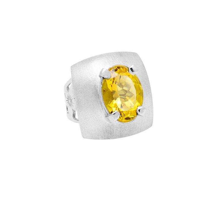 Anillo en plata 950 con citrino  http://sarahkosta.com/producto/anillo-en-plata-950-con-citrino/