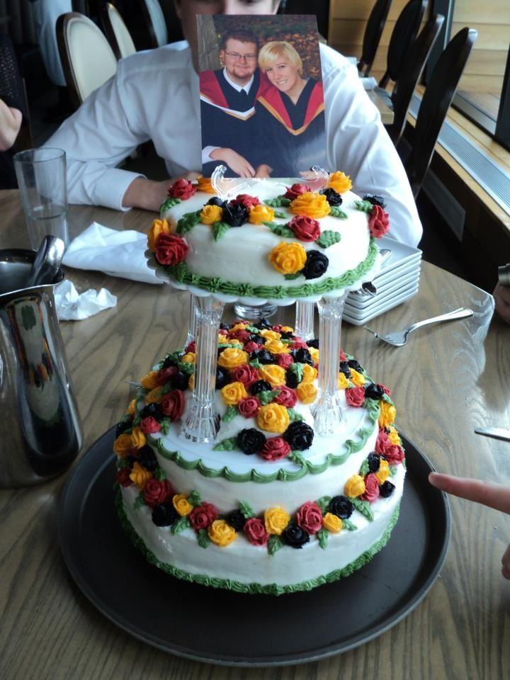 Undergraduate graduation cake for The University of Guelph