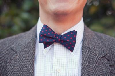 dots.: Light Pink Blazers, Athens Ga, Polka Dots,  Bowties, Bow Ties, Men Fashion, Navy Bows Ties, Herringbone Blazers,  Bow-Tie