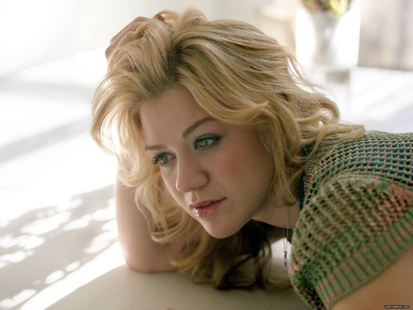 Kelly Clarkson Mp3 Download