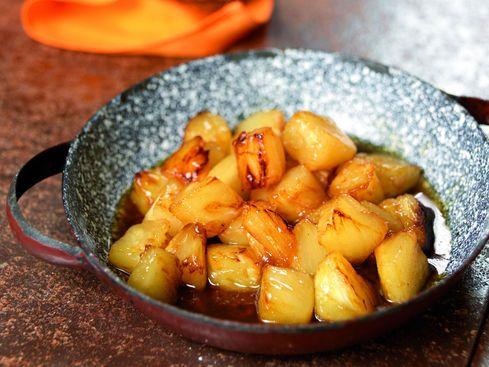 Poêlée d'ananas au rhum et au sucre roux