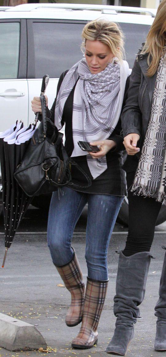 scarf, skinnies, black leather bag, burberry rain boots