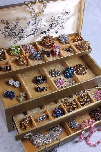 DIY: Cleaning Your Vintage Rhinestone Jewelry