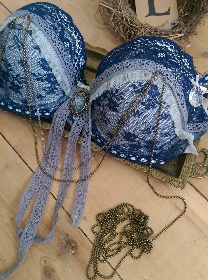 Embellishing a vintage inspired bra set for The Magpies River