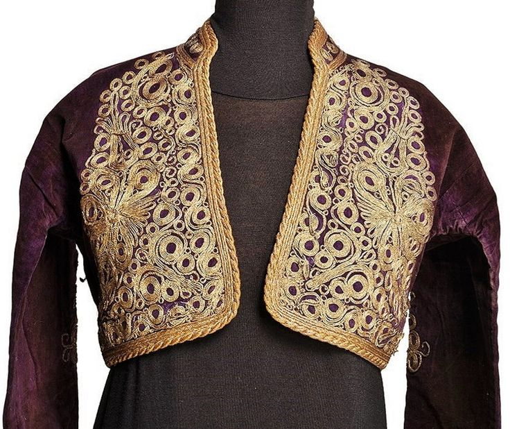 Embroidered 'cepken' (long-sleeved vest) from the Balıkesir province.  Part of a bridal/festive costume, first half of 20th century.  'Goldwork' embroidery in 'tutturma'-technique (applied cord).