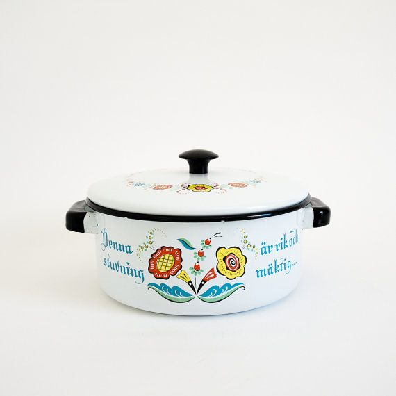 Vintage 1960s Cookware / 60s Berggren Enamelware 2 Qt Lidded Stockpot VGC / Folk Scandinavian Norwegian Kitchen Decor
