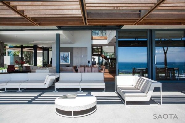 Outdoor Decorating from Luxury Home Design with Modern Living Room Ideas 600x400 Luxury Home Design with Modern Living Room Ideas