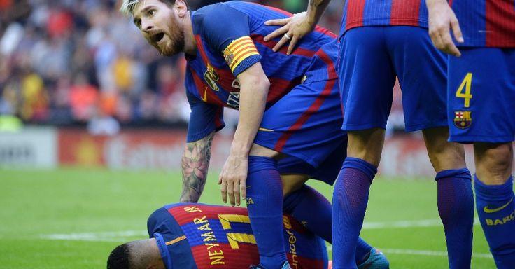 Barcelona vira e torcida do Valencia atira garrafa em Neymar e Mascherano