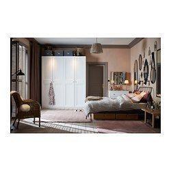 IKEA - PAX, Garderob, 200x60x236 cm, mjukstängande gångjärn, , 10 års garanti. Läs om villkoren i garantibroschyren.Du kan enkelt ändra denna färdiga PAX/KOMPLEMENT kombination efter behov och smak med hjälp av planeringsverktyget PAX.Gångjärn med inbyggda dämpare som fångar upp dörren och stänger den långsamt, tyst och mjukt.Perfekt där utrymmet är begränsat eftersom stommen är grund.Vill du organisera insidan kan du komplettera med inredning från serien KOMPLEMENT.Justerbara fötter gör...