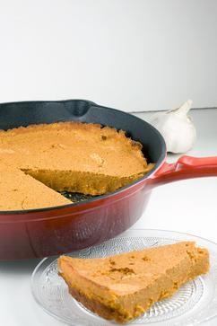 BROOD VAN RODE LINZEN EN GEROOSTERDE PAPRIKA  Een brood van rode linzen en geroosterde paprika is een kruidig Indiase bijgerecht. Heerlijk bij bijvoorbeeld een bonenschotel. Klaar binnen een uur.  Recept onder de knop >>BRON<<