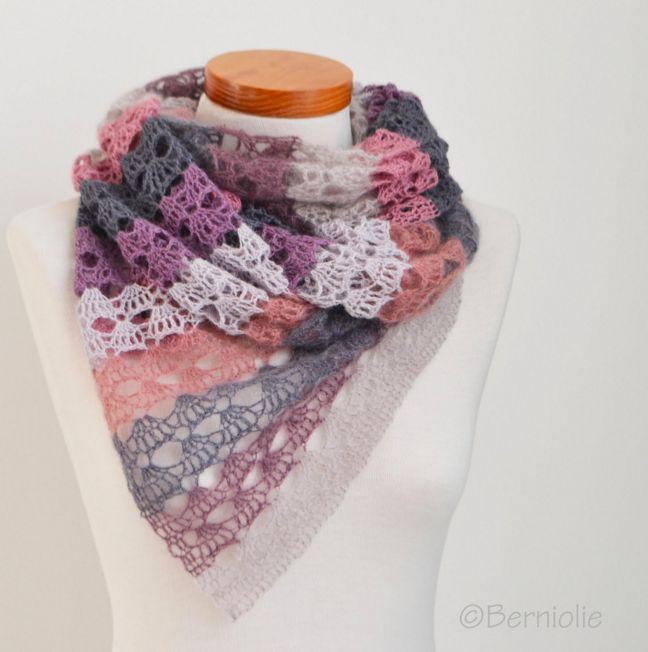 Sjaal genaamd Ella gemaakt door Berniolie. Het patroon is gratis en zowel in het Nederlands als in het Engels beschikbaar.