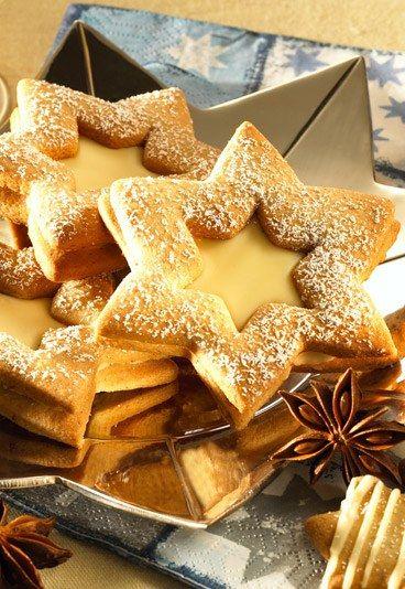 Spitzbuben - Weihnachtsplätzchen: Leckere Plätzchenrezepte für Weihnachten - Spitzbuben gibt es nicht nur mit Marmelade, sondern auch mit Likör! Gut zu wissen: Dieses Plätzchenrezept lässt sich auch mit Baileys zubereiten: Ganz jugendfrei sind die Baileys-Spitzbuben aber natürlich nicht...