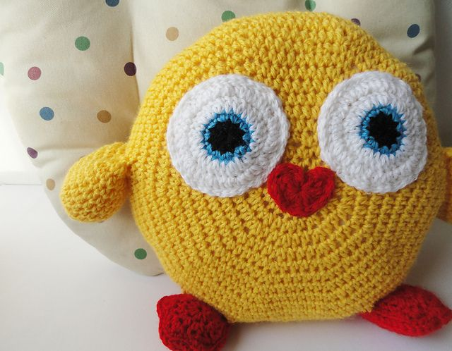 Ravelry: Chicken Pillow pattern by HanniCraft