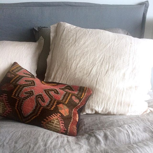 #corcovadohome #bedroom #kilimcushion #linen #bedlinen #furniture #homewares #corcovadstyle #sumnerbeach #christchurchnz