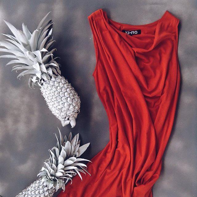 'When in doubt, wear red' - Bill Blass #kinoconcept