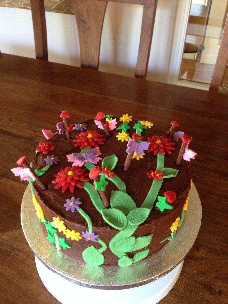 Secret garden cake (chocolate cake)