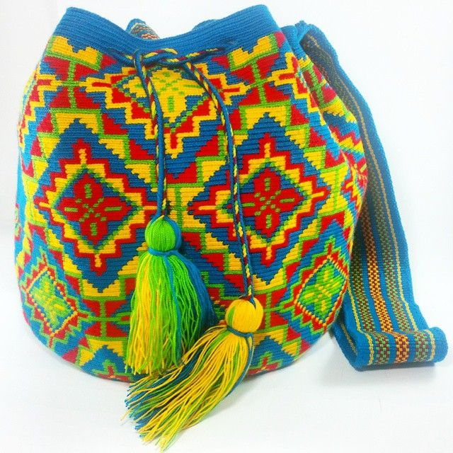 """""""PC751#Mochila #wayuu #azul #disponible  #eliwayuubags #arte #tradición &…"""