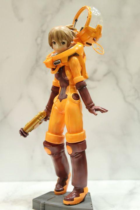つるぎや 宇宙服少女(橙)