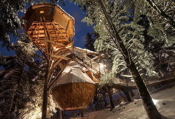 cabane insolite en montagne dans les arbres logement. Black Bedroom Furniture Sets. Home Design Ideas